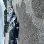 宇美分会、役員総出で駐車場の穴埋め作業